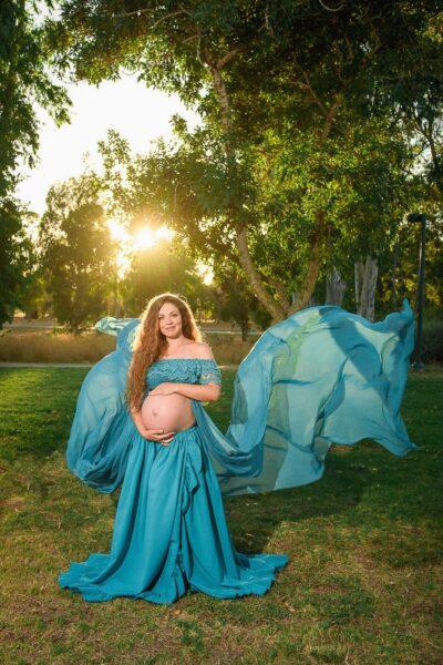 שמלות לצילומי הריון להשכרה