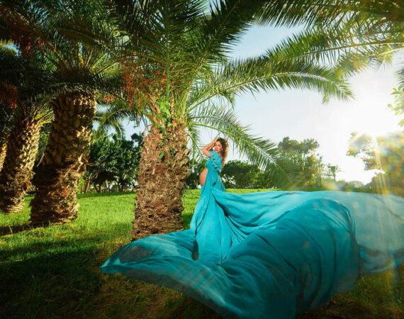 שמלה-לצילומי-הריון-כחולה-עם-בד